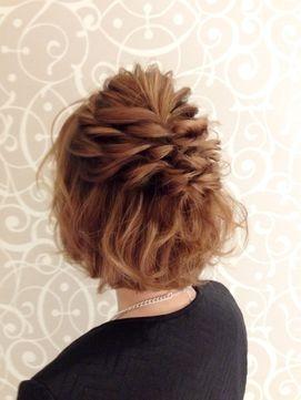マナー違反にならないの?結婚式でのハーフアップの髪型30選【お呼ばれ・ゲスト編】