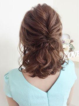 マナー違反?結婚式でのハーフアップの髪型30選【お呼ばれ