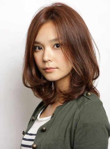 【好感度抜群】ゆるふわパーマのミディアムの髪型・ヘアアレンジ25選