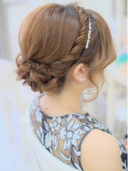 【お呼ばれ】結婚式のロングヘアでおすすめの髪型32選