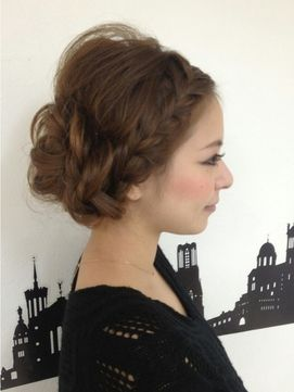 お呼ばれ】結婚式のロングヘアでおすすめの髪型32選