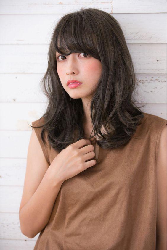 好感度抜群】ゆるふわパーマのミディアムの髪型・ヘアアレンジ25選