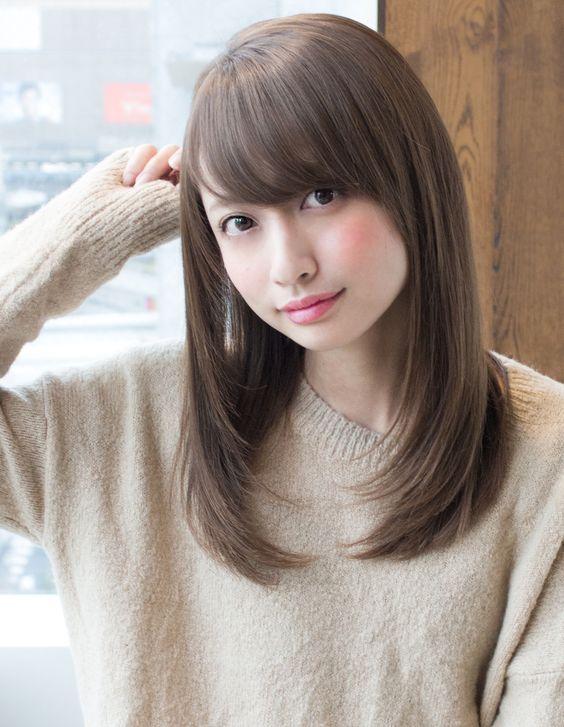 ロングストレートヘアは、男性が彼女・妻など女性にやってもらいたい髪型でNo.1なんです!